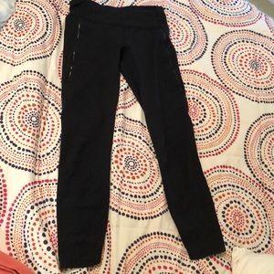 Lululemon 7/8 Size 4 black leggings